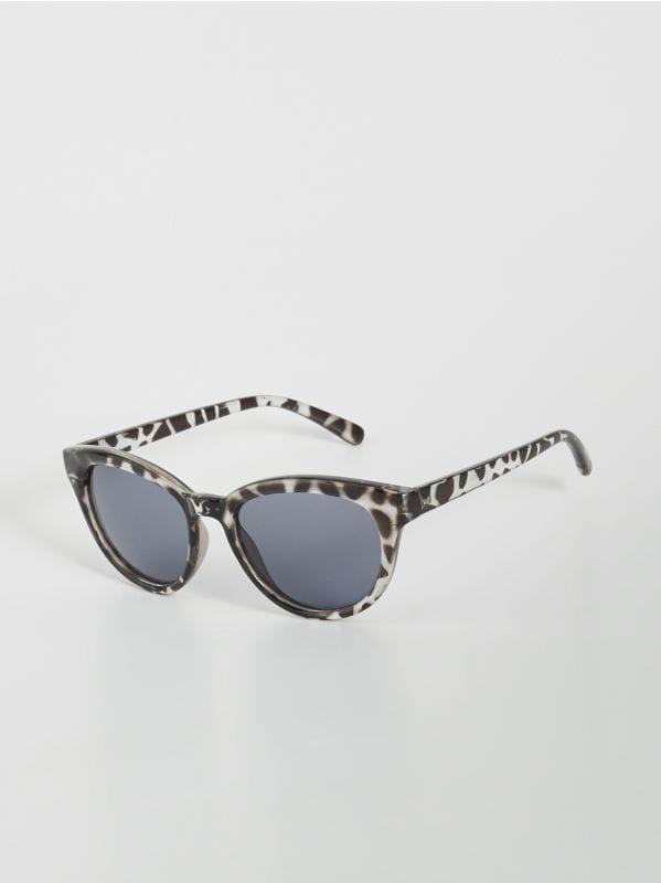 1371e52fbd9b Женские солнцезащитные очки Sinsay — лето, полное веселья!