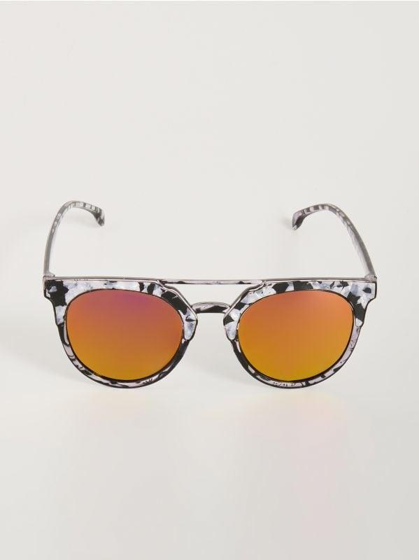 9039f7fe65 Kerek napszemüveg · Színes napszemüveg - többszínű - WD392-MLC - SINSAY