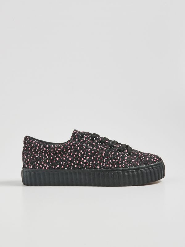 a1b5e22b5 Женская обувь Sinsay — в спортивном стиле, элегантная и для особых случаев.